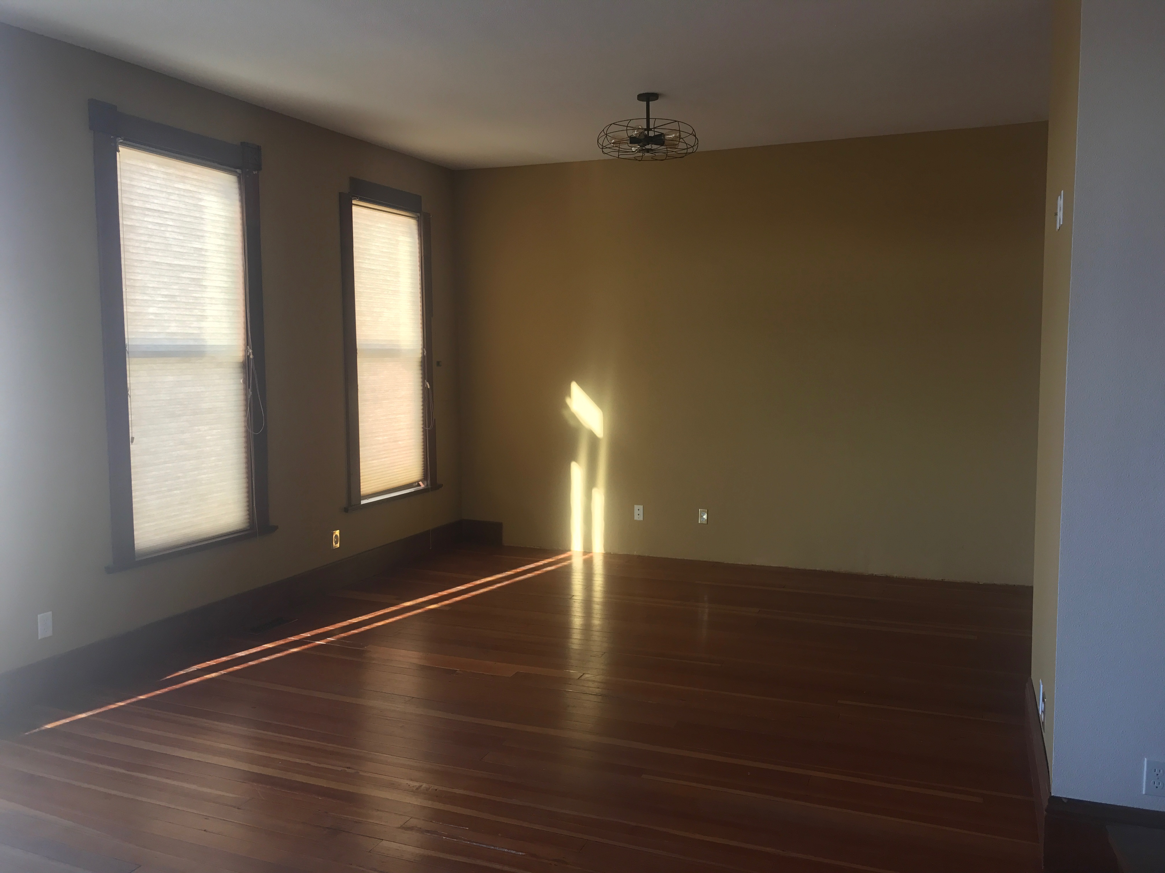 16 west kennewick avenue uni rental listings avail for Flooring kennewick