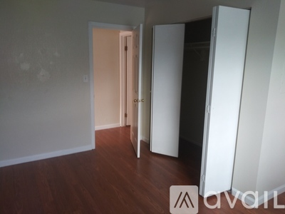 Picture of 1001 York St, Unit B