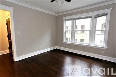 Picture of 1435 West Carmen Avenue, Unit 1437 #1S