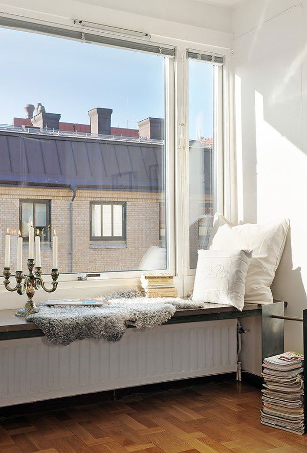 5 ways to make a diy reading nook abodo apartments having a reading area right by a large window is the perfect way to get some great ambient lighting there are multiple ways to solutioingenieria Image collections