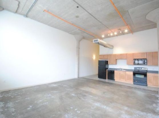 Roomy 1818 Washington Avenue apartment with desirable industrial details
