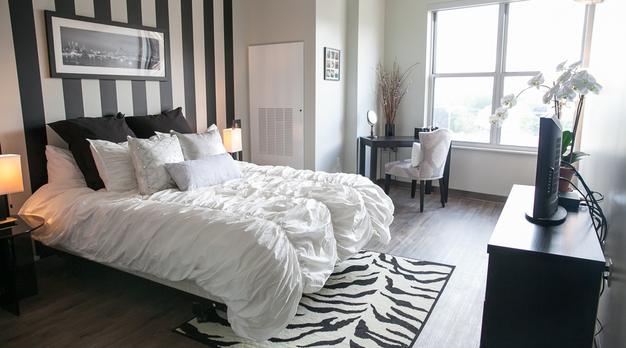 Living off campus gives you the chance to retreat to a private space and spend some alone time in bedrooms like this one in Pittsburgh, Pennsylvania.
