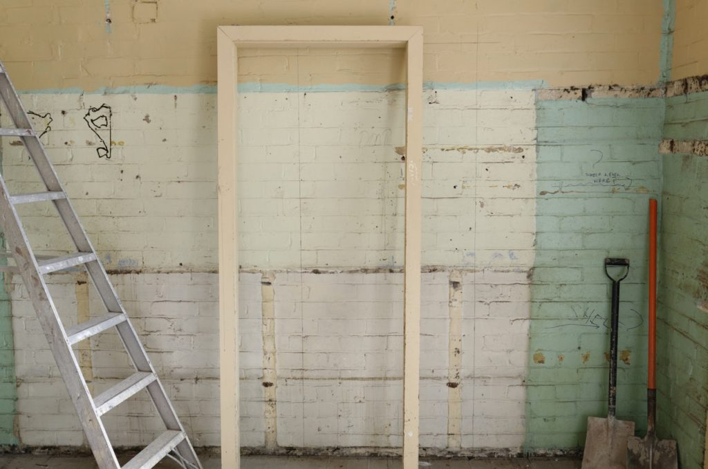 Asbestos in old apartment