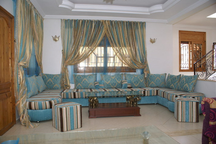 Moroccan Style Sofa In 1st Floor Apartment .
