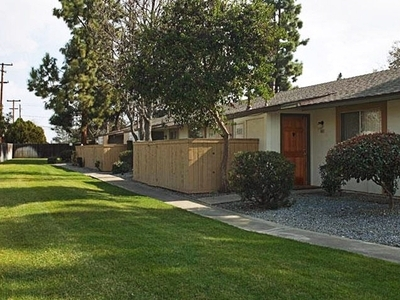 Pine Valley, Fresno - (see pics & AVAIL)