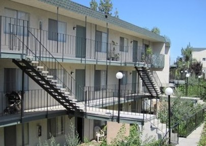 Amber Crest Apartments, Riverside - (see pics & AVAIL)