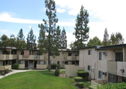 Palms, Rowland Heights - (see pics & AVAIL)