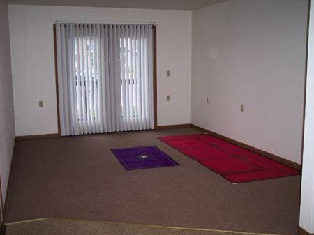 Rainbow Apartments, Urbana - (see pics & AVAIL)