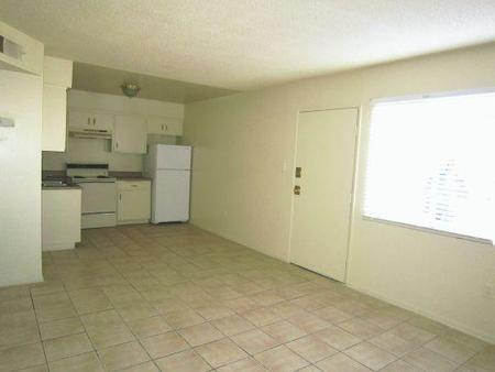 Desert Inn Apartments, Las Vegas - (see reviews, pics & AVAIL)
