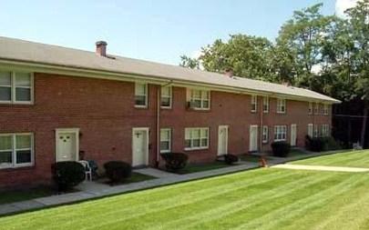 Bari Manor Apartments, Croton On Hudson - (see pics & AVAIL)