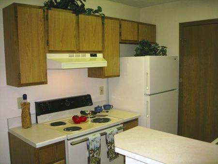 Waterford Pointe Apartments, Columbus - (see pics & AVAIL)