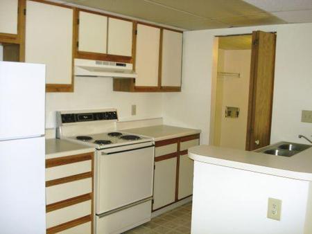 Oakbrook Apartments, Reynoldsburg - (see pics & AVAIL)