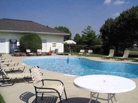 Pendleton Lake East Apartments, Reynoldsburg - (see pics