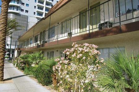 studio plaza apartments las vegas see pics avail