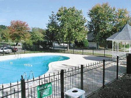 Windsor harbor charlotte see pics avail for Shamrock garden apartments charlotte nc