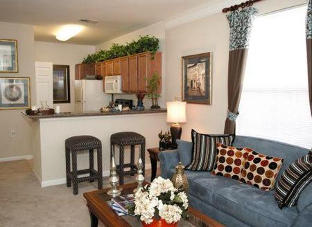 Falcon Creek Luxury Apartments, Hampton - (see pics & AVAIL)