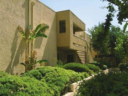 Foothill Ridge Apartments