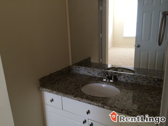 Pretty 2 bd/1.0 ba Apartment - Milwaukee apartments for rent - backpage.com