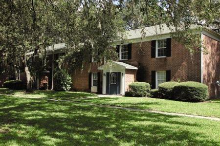 Lakeshore Club Apartments Tampa Fl