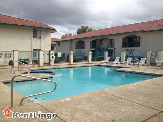 Desert Lakes Apartments Reviews