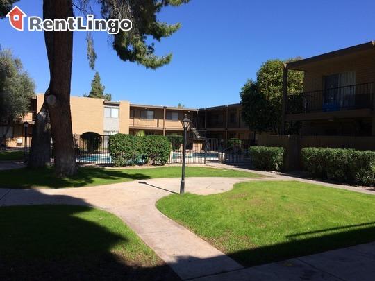 Courtyard Apartments