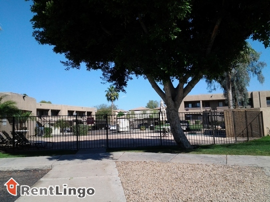 Avalon Hills Phoenix See Reviews Pics Amp Avail