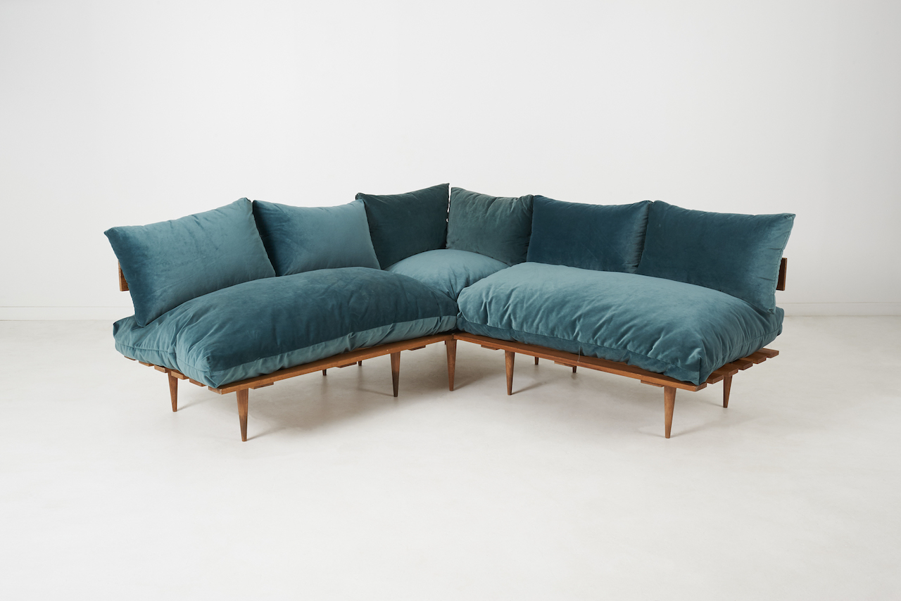 Vita Sofa Peacock Blue Velvet Patina