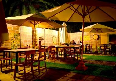 Amplus Restaurante & Pub