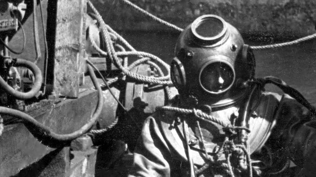 A diver is pictured here in Saint John Harbour circa 1945. Writer David Goss says it's still unclear if the story of a Toronto diver who was stunned by a discovery made in the Reversing Falls is fact, fiction or a little bit of both.