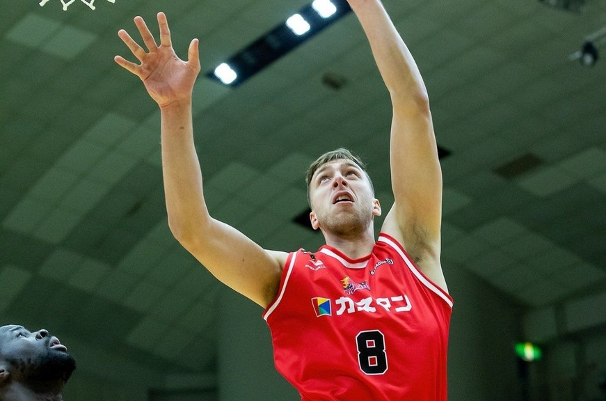 Quispamsis basketball product Erik Nissen helped the Iwate Big Bulls to a pair of Japanese B3 league road wins on the weekend, collecting 27 points and 17 rebounds overall.