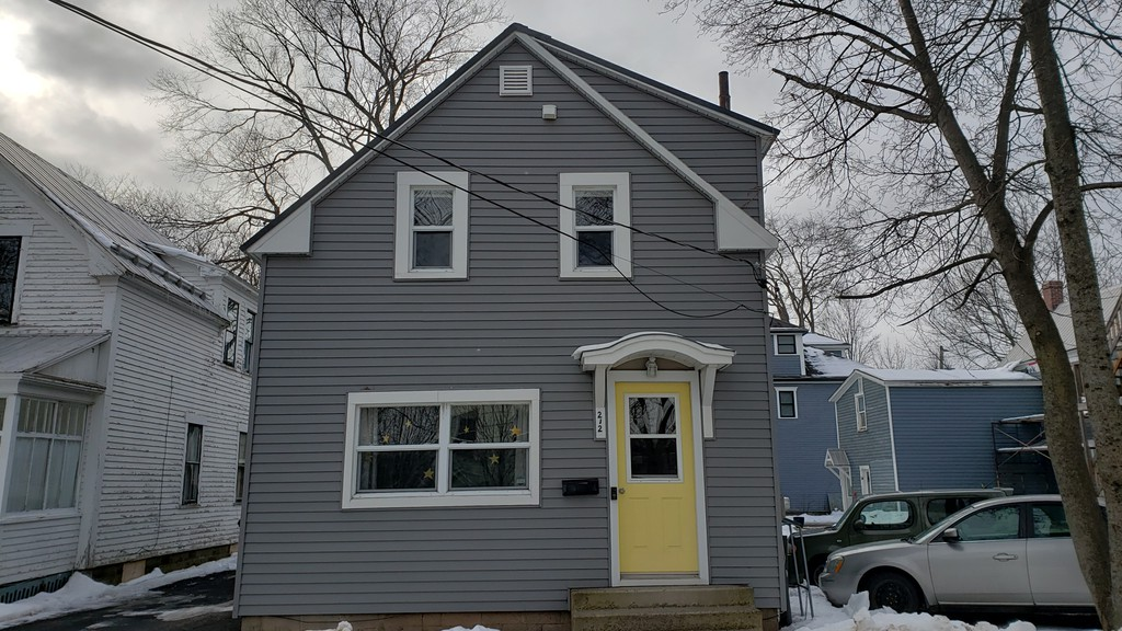 The home once owned by Willie O'Ree's parents at 212 Charlotte St. will be recognized with a plaque from Fredericton Heritage Trust.