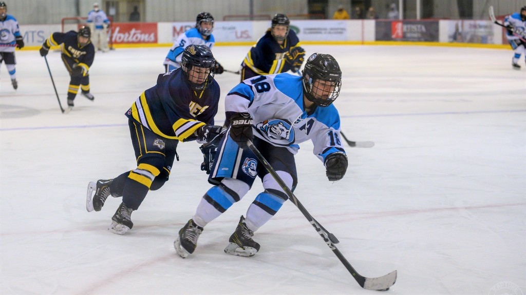 Martina Barclay will join the St. Thomas Tommies women's hockey team next season.