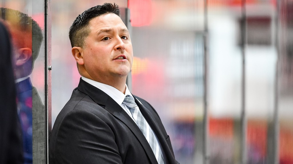 Jason O'Leary, the former STU Tommies defenceman from Rusagonis, is completing his second season as head coach of the DEL Iserlohn Roosters in Germany before beginning a two-year contract May 1 to be head coach of the SCL Tigers of Switzerland's National League.