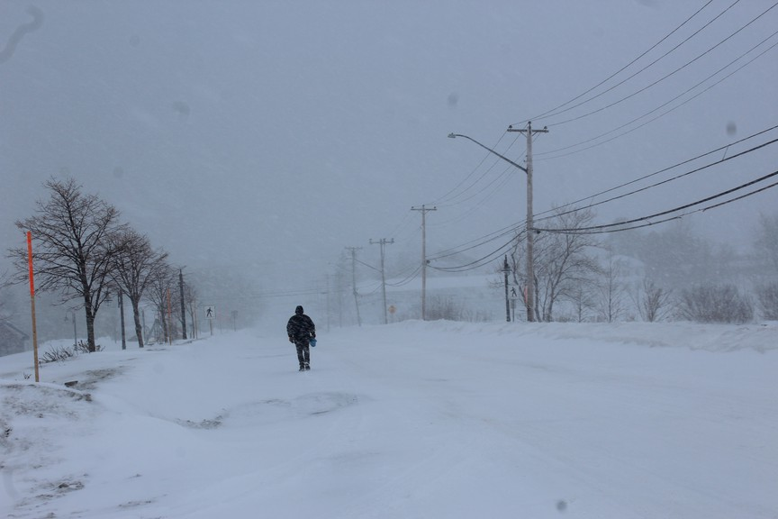 Environment and Climate Change Canada issued wind, snowfall and blowing snow warnings for Bathurst and the Chaleur region on Monday. The website says the Chaleur region will see anywhere from 15 to 25 centimetres of snowfall throughout the day and into Monday night.