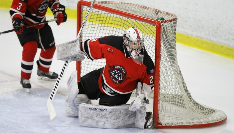 Goaltender Samuel LeBlanc and the Moncton Flyers defeated the Saint John Vito's in their first game of the N.B./P.E.I. Major Under-18 Hockey League season on Friday.