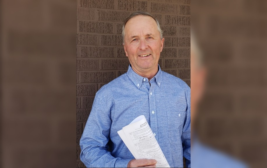 Dale Knowles will run for a seat on Bathurst city council in the May 10 municipal election.