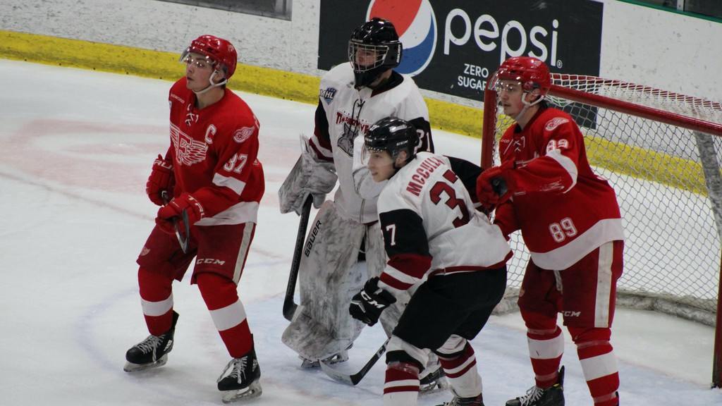 The Miramichi Timberwolves edged the Fredericton Red Wings 3-2 on Saturday.