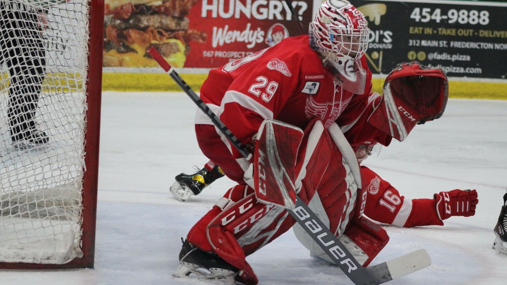 Andrew MacLeod picked up the win in goal for the Fredericton Red Wings against the Campbellton Tigers on Wednesday night.