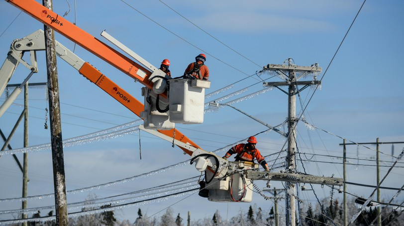Hundreds of customers in southern New Brunswick are without power Thursday morning, according to NB Power.