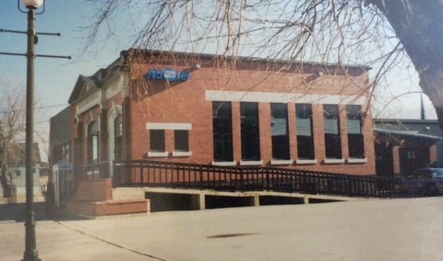 Pictured in this photo from the Bathurst Heritage Museum isthe old NBTel building on King Avenue in downtown Bathurst in the 90s.