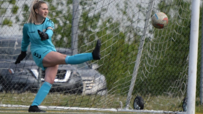 Isabella Sharpe had consecutive shutouts as the FDSA U15 Premiership girls clinched a playoff spot with wins over Codiac and Fundy..