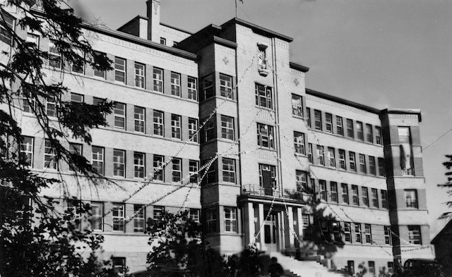 Pictured is the Hôtel Dieu Saint Joseph hospitalin Bathurst decorated for the grand opening in1942. The hospital, located on Murray Avenue, has since been renovated into apartments.
