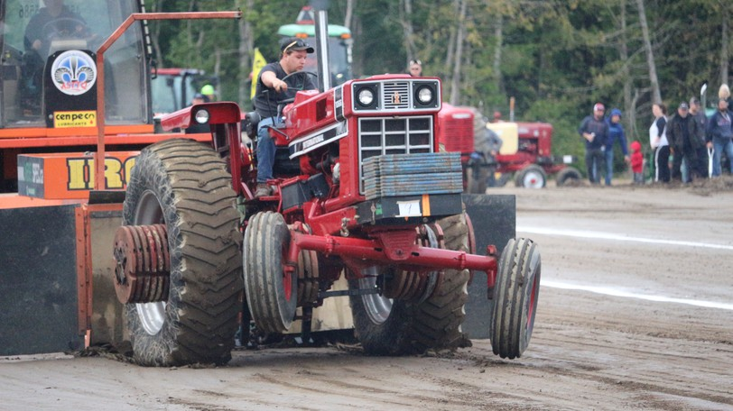 Smoke, noise and full throttle strength drew in hundreds of people to the Western Valley Multiplex on Sept. 3 and 4 for the Centreville Truck and Tractor Pull.