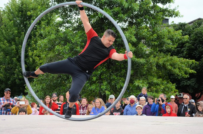 Acrobat Daniel Craig of The Street Circus performs during the inaugural Miramichi Buskers Festival Sunday at Waterford Green Park.