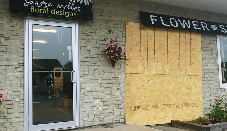 On Saturday at around 02:24 a.m. a vehicle hit Sandra Miller's Floral Shop and then fled the scene, say the Kennebecasis Regional PoliceForce.