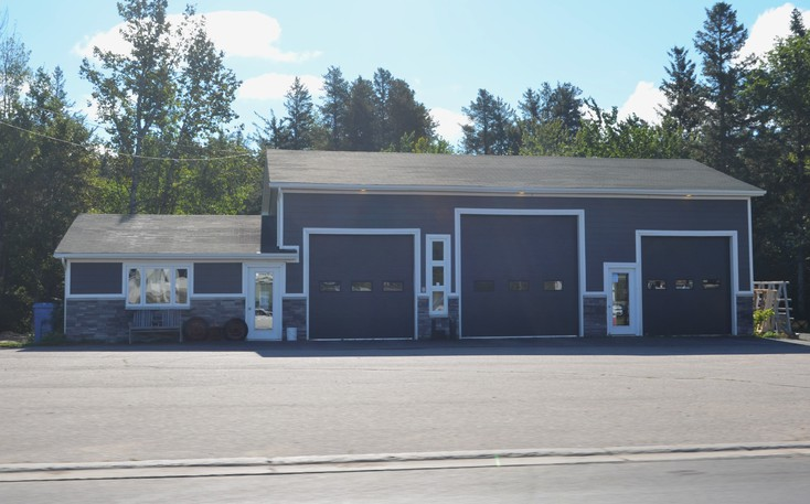 Miramichi city council has approved a rezoning allowing Clearsight Auto Glass to expand its shop at 350 King George Hwy.