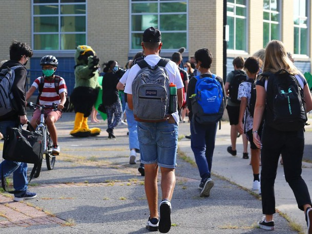Students return to high school in this file photo from Ottawa.