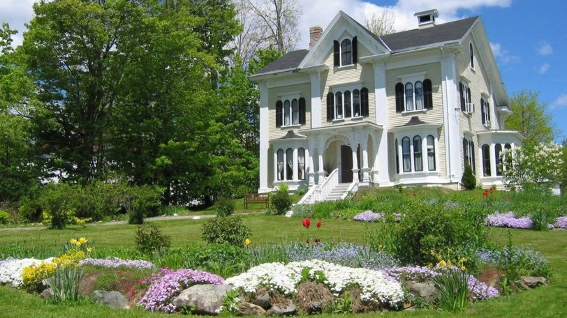"""Blair House Heritage Breakfast Inn in St. Stephen says it wouldn't be asking for """"private medical information"""" from guests. The inn's manager, Sherie Vukelic, says she believes it violates Canada's Charter of Rights and Freedoms."""