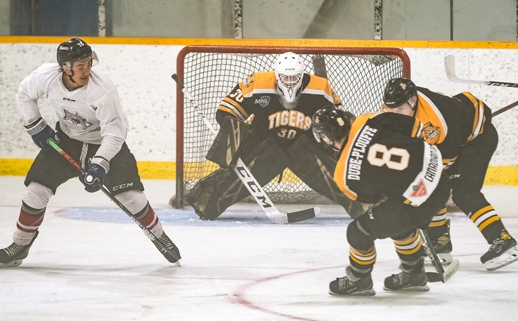 The Campbellton Junior A Tigers beat the Miramichi Timberwolves at home on Friday by a score of 4-1 but dropped a game in Miramichi Saturday by a score of 7-4.