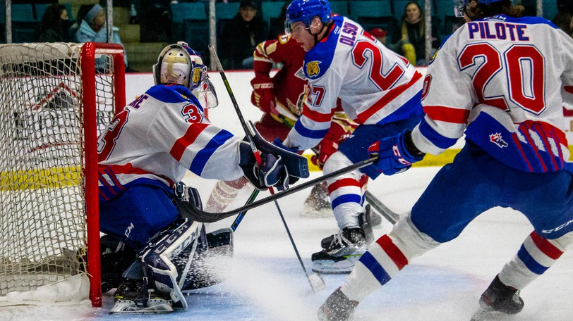 The Moncton Wildcats opened the season in Bathurst Friday night against the Acadie-Bathurst Titan.